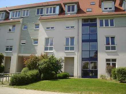 4-Raum-Maisonette-Wohnung mit Dachterrasse in grüner ruhiger Lage! Frei ab Sofort!