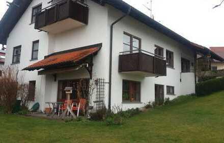 Gepflegte 2,5-Zimmer-Wohnung mit Terrasse und EBK in Weingarten