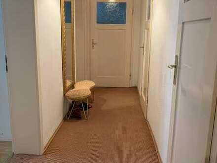 Schönes Zimmer in Wohngemeinschaft am Gutenbergplatz