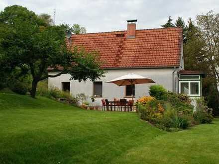 Befristet zu vermieten - Schönes Haus mit vier Zimmern und großem Garten in 16259 Falkenberg