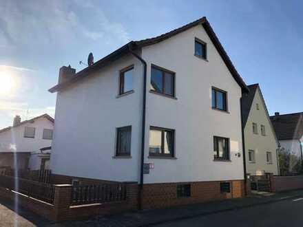 Auf Erbpachtgrundstück: Freistehendes Einfamilienhaus mit Potential + Garage und Schuppen
