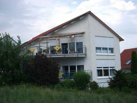 (Provisionsfrei) Großzügige 3,5 Zimmer EG Wohnung in Top Lage in Ellhofen