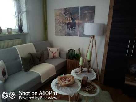 Sehr gepflegte 2-Raum-Wohnung mit Balkon mit Einbauküche und PKW - Stellplatz in Bad Kötzting