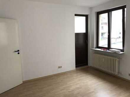 PROVISIONSFREI! 108 qm Wohnuung, 3 Zimmer, Küche,Tageslichtbad, WC, Balkon