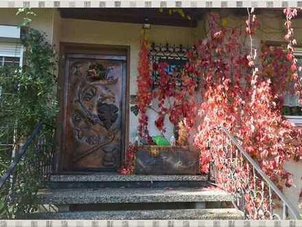 Bungalow mit Einliegerwohnung in Bamberg-Kramersfeld