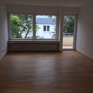 großzügige, 3-Zimmerwohnung mit Süd-West Balkon in Alt-Solln