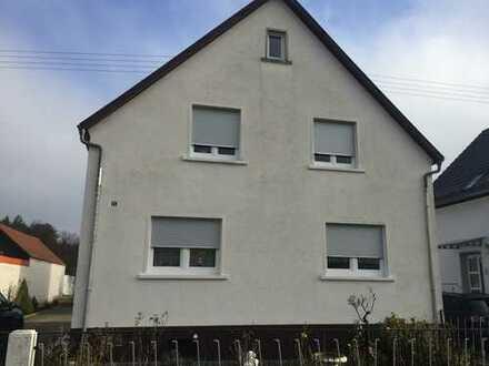 Schönes Haus mit drei Zimmern und Wohnküche in Karlsruhe (Kreis), Graben-Neudorf