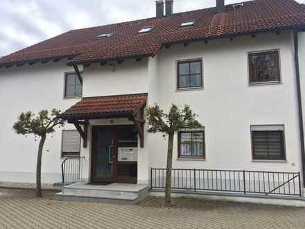 Sonnige zwei Zimmer Dachgeschosswohnung Wohnung in Kaufbeuren, Neugablonz