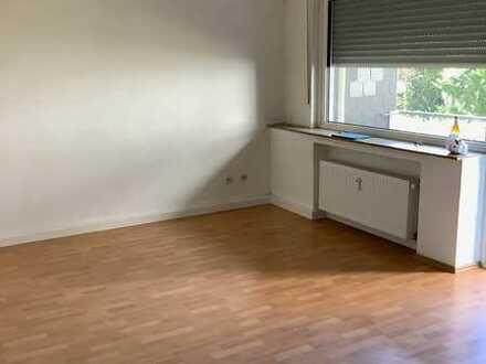 Helle 1 Zimmer-Wohnung im Erdgeschoss mit Balkon in Wattenscheid