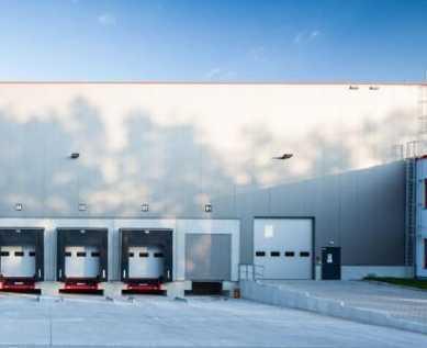 """""""BAUMÜLLER & CO."""" - ca. 4.000 m² Hallenfläche + 200 m² Bürofläche"""