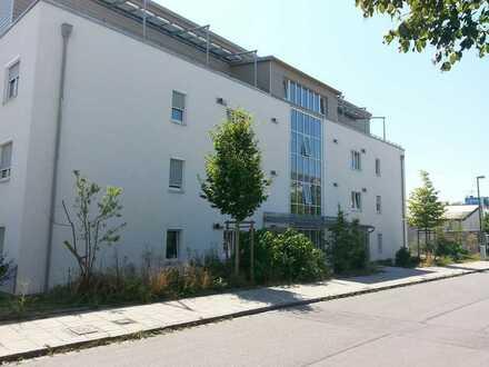 Juwel in bester Lage - großzügige 4-Zimmer-Wohnung mit 2 Dachterrassen, EBK nahe S-Bahnstation