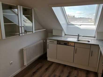 Vollständig renovierte 3-Zimmer-Dachgeschosswohnung mit Einbauküche in Ofterdingen