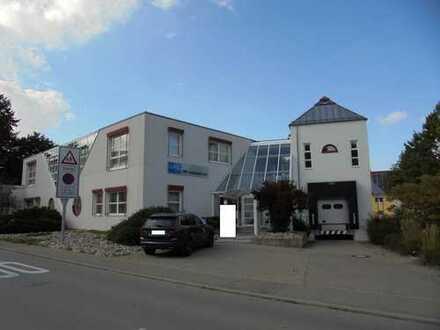 Produktionsgebäude mit Büroanbau