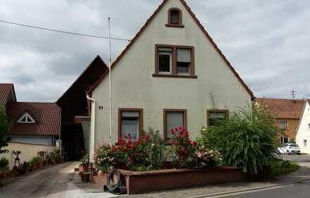 Einfamilienhaus mit großem Grundstück und großer gepflegter Scheuen, Leimersheim