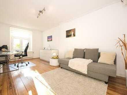 hochwertig möbl. helle Souterrain-Wohnung im repräsentativen Altbau/ großer Terrasse in Alsternähe