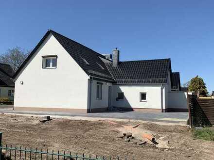 Schönes, geräumiges Haus mit drei Zimmern in Magdeburg, Salbke