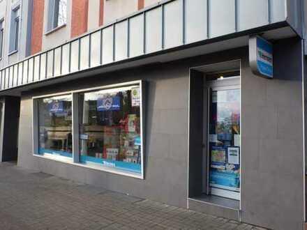 Top Ladenlokal mit großzügigem Schaufenster gegenüber eines neuen Wohngebietes!