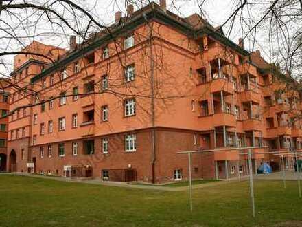 *wohnwert-leipzig.de* helle 1-Zi-Whg.am Abtnaundorfer Park/2.OG/Dusche/Parkett/ges.: 342,-EUR