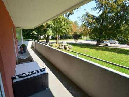keine WG!! 2-Zi.-Wohnung mit Einbauküche und ca. 30 m² Balkon im Westen von Regensburg