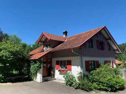 Freistehendes Einfamilienhaus mit wunderbarem Gartengrundstück zwischen Weitnau und Isny