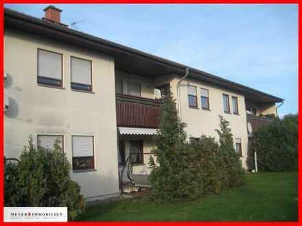 RESERVIERT für nette Kunden! 3-Zimmer-Erdgeschosswohnung mit Wohnküche, Terrasse & Duschbad