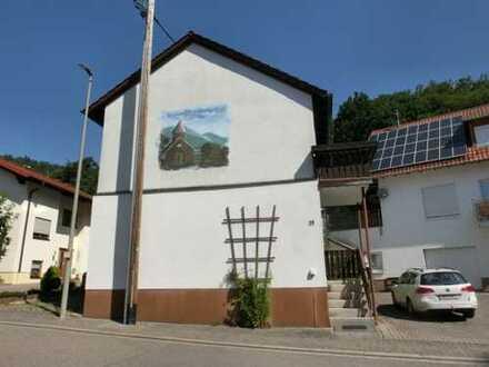 Renovierungsbedürftiges Ein- bis Zweifamilienhaus in Birkenhördt