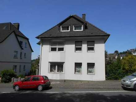 Schöne helle zentrumsnahe 3-Zimmer Erdgeschosswohnung mit Garage zu vermieten!