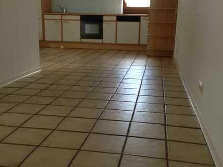 Gepflegte 1-Raum-Wohnung mit Einbauküche an NR in Pforzheim zu vermieten