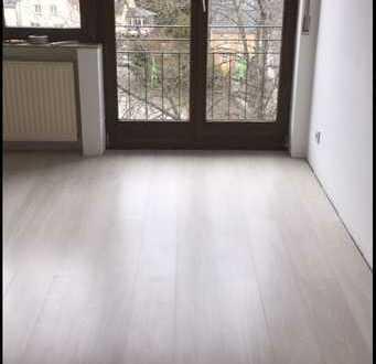 Gepflegte 4-Raum-DG-Wohnung mit Einbauküche in Birkenfeld (Kreis)