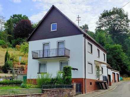Kaiserslautern-Mölschbach: Freistehendes Einfamilienhaus mit Südgrundstück und 3 Garagen