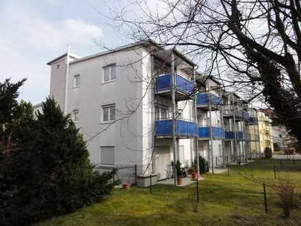 """Speziell konzipiertes """"Seniorenwohnen Ü 55"""" in 2 ZKB Whg., mit Balkon, Notruf, rollstuhlgerecht!"""
