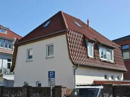 5677 - WG-geeignetes Wohnhaus direkt am Westkreuz in Uni-Nähe