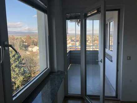 3-Zimmer-Wohnung mit Balkon und EBK in Steinbach Taunus