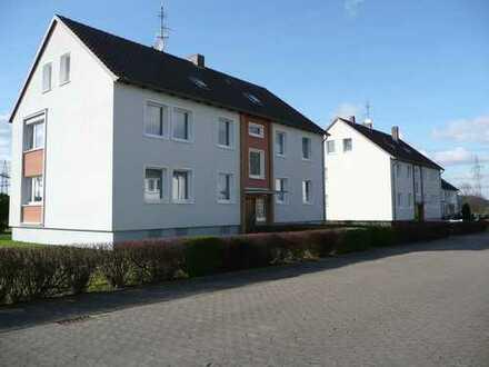 *Sonnige 3-Zimmerwohnung mit Balkon in Emmern*