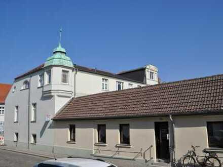Mehrfamilienhaus mit Gewerbeeinheit in Zentrumslage von Zehdenick
