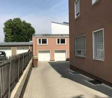 NICE TO MIET YOU: Dachgeschoss-Wohnung in Rückgebäude im beliebten Pfersee