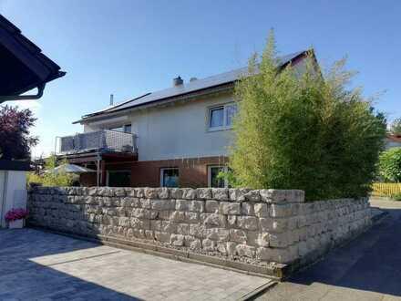 Stilvolle, gepflegte 3,5-Zimmer-Wohnung mit Balkon und EBK in Oedheim