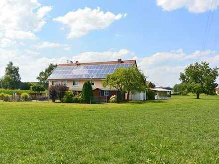 Rundum freistehend mit herrlichem Blick! Großes Landhaus mit ELW bei Bad Waldsee