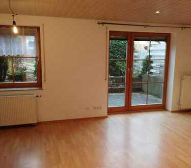 Gepflegte 2-Zimmer-Wohnung mit Balkon und Einbauküche in Enzkreis