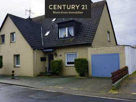 Zweifamilien- / Mehrgenerationenhaus, riesen Grundstück ,Toplage Neuss