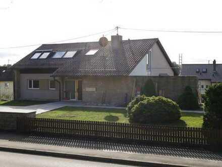 Großzügige und ruhige Erdgeschoßwohnung mit großer Terrasse