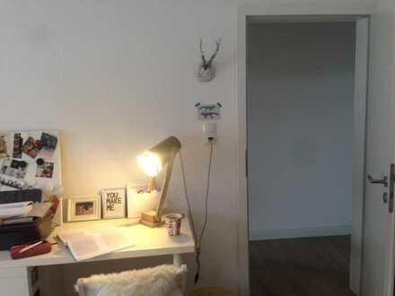 tolles Zimmer in 3er-WG mit Balkon - Nähe Hochschule