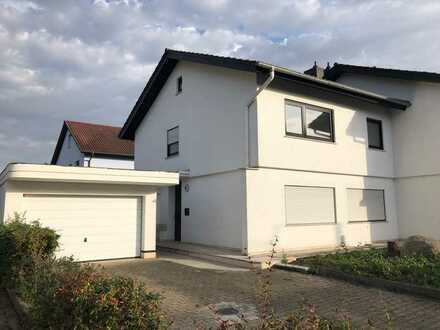 In ruhiger Feldrandlage...! Doppelhaushälfte in Bürstadt-Riedrode