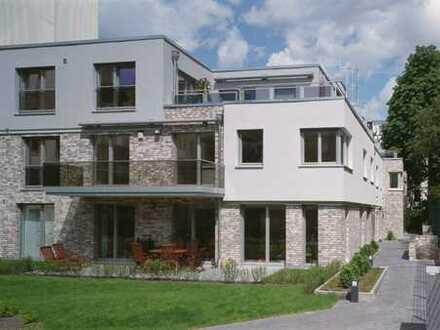 Stilvolles, vollständig renoviertes 6-Zimmer-Luxus-Reihen-Stadthaus in HH-Winterhude, Stadtparknähe