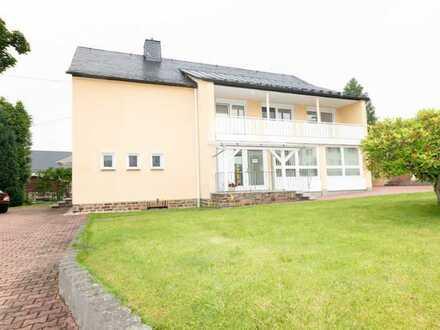 Teileigentum mit 133 m² Fläche als Praxis oder Umnutzung zur Wohnung in Zöblitz!!