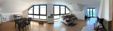 Luxuriös geschnittene DG-Wohnung***zentrumsnah*** offener Kamin***