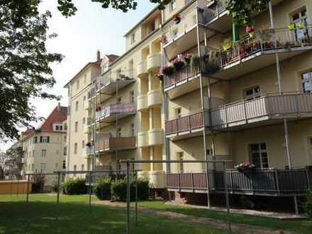 W 29/30 - 4RW - Balkon, Kaminanschluss im WZ, Fußbodenheizung, 2 Tageslichtbäder