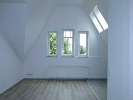 Tolle Lage! 2-Zi-Maisonette-Wohnung plus Arbeitsbereich! Stellplatz und Gartenanmietung möglich!