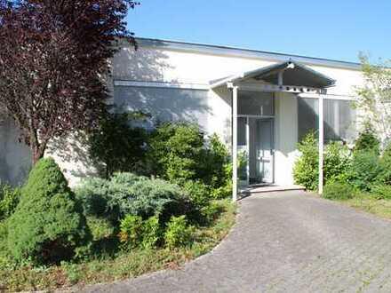 Helle Gewerbehalle in Geretsried-Süd