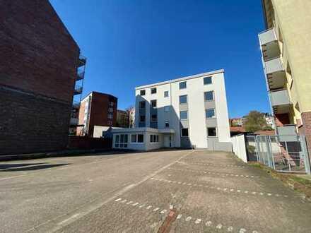 VON POLL Kiel: 2 Etagen in Bestlage * 12 Parkplätze